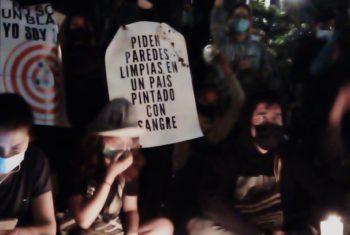 Demostrater under fredlig demonstration i Bogotá Colombia Foto: Leonardo Villamizar